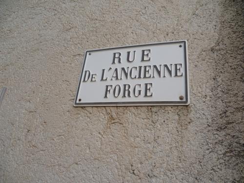 P1050944 PANNEAU RUE ANCIENNE FORGE 19 01 17  (1632 x 1224).jpg