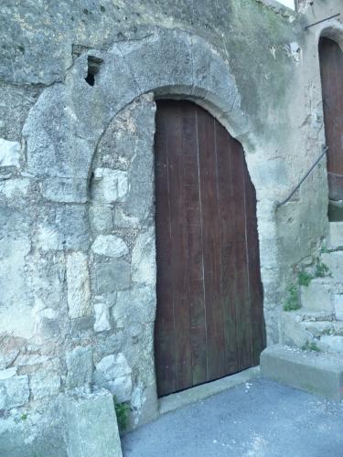 P1050978 PORTE ANCIENNE RETAILLEE 19 01 17  (1836 x 2448).jpg