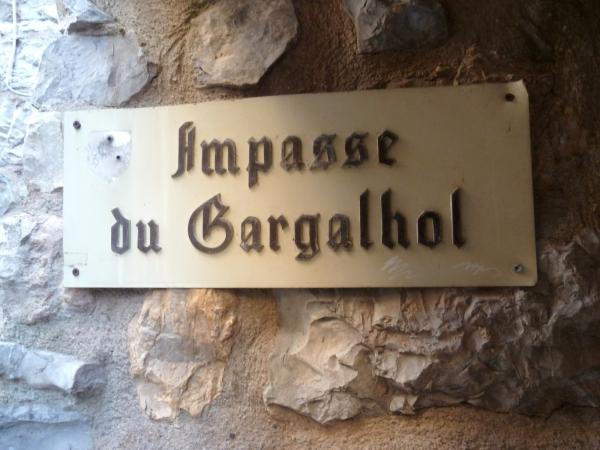 tourisme,village,moyen age,découverte,saison,été