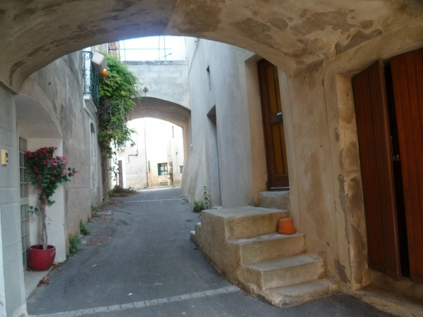 village,ruelles,maisons,moyen age,promenade,balade